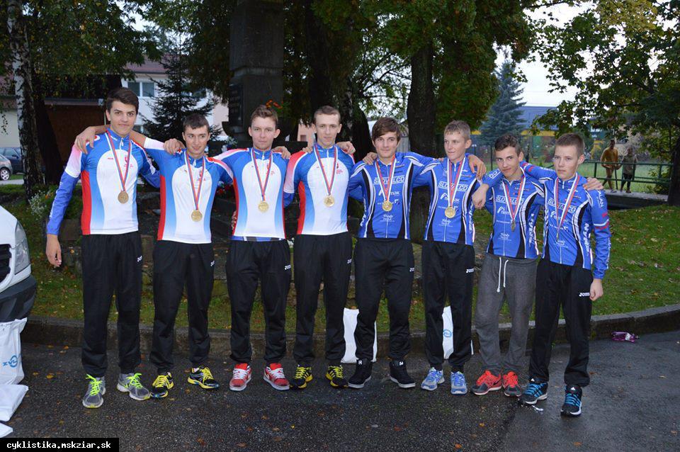 obr: Kadeti a juniori Cyklistického klubu  Majstrami republiky