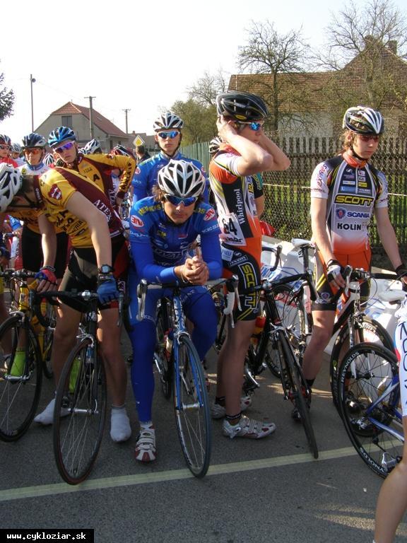 obr: Žiarski cyklisti na úvodných pretekoch sezóny