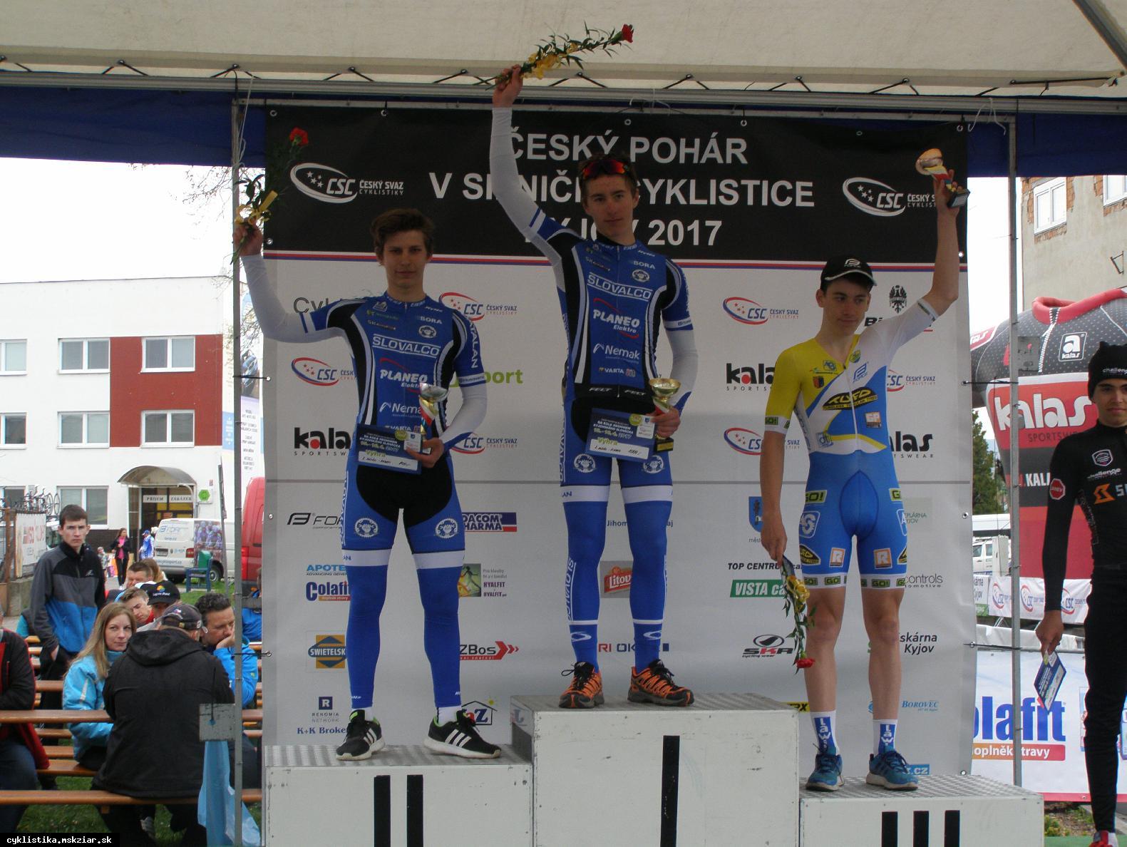 obr: Žiarski cyklisti víťazne na Českom pohári.