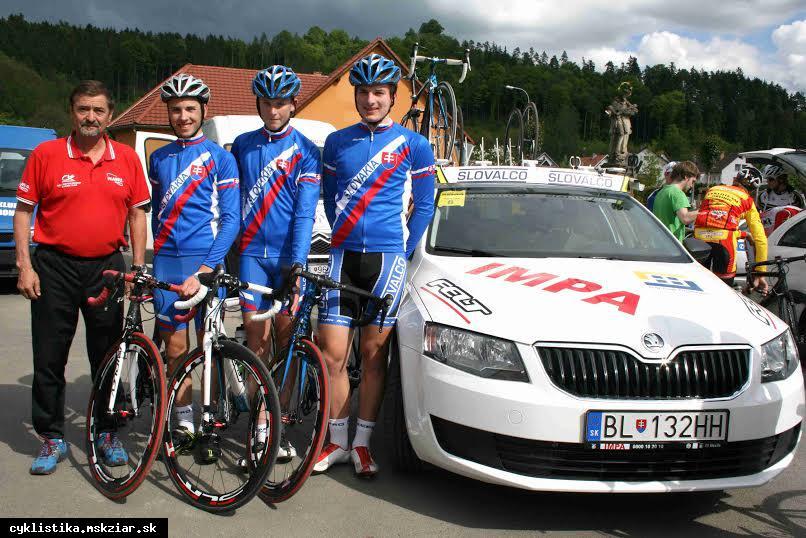obr: Žiarski cyklisti na pretekoch mieru.
